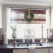 Kitchen Window Treatments Ideas Pictures Best 20 Kitchen Window Decor Ideas On Pinterest Farm Kitchen
