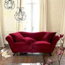 maisons du monde canapé valentin meubles et accessoires rouges pour enflammer votre