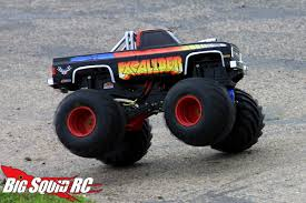 monsters trucks videos everybody u0027s scalin u0027 for the weekend u2013 bigfoot 4 4 monster truck