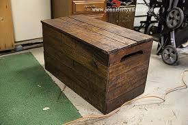 diy wooden chest bench out of pallets with some waterproofing