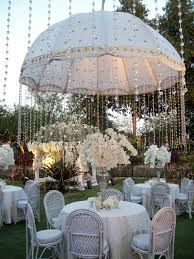 casamento ao ar livre u2013 e se chover hanging crystals crystals