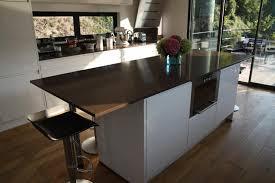 fabriquer une table haute de cuisine table de bar avec kallax amusant plan de travail avec rangement