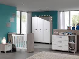 chambre à coucher bébé pas cher chambre bébé contemporaine coloris grège blanc violine chambre