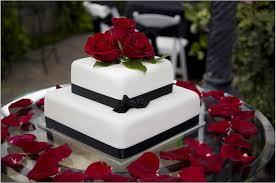 wedding cake roses jazzed up cakes white and black with roses wedding cake