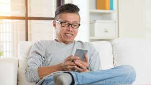 Dad Reading Newspaper Meme - this video of a dad reading his son s favorite memes has twitter
