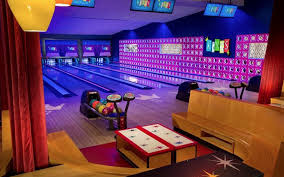 doral opens it u0027s first bowling alley at city place miami herald