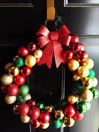 diy ornament wreath in 5 easy steps