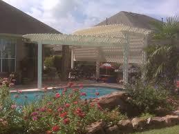 poolside curved pergola made of aluminum