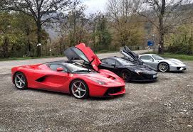 porsche mclaren p1 watch the ultimate hypercar race mclaren p1 vs laferrari vs porsche