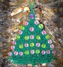 macrame christmas tree ornament wall hanger
