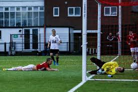 Fa Vase Prize Fund Bracknell Town Fc Red Robins Crush Cricklewood Wanderers In