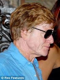 does robert redford have a hair piece spot the difference robert redford and his incredible disappearing