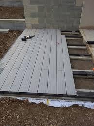 terrasse suspendue en bois nivrem com u003d poser une terrasse en bois composite diverses idées