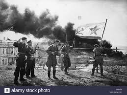 Soldiers Lifting Flag Soviet Flag Black And White Stock Photos U0026 Images Alamy