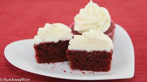 red velvet cupcakes with cream cheese frosting runawayrice