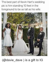 wedding gift meme the best part of kevin hart s wedding pic is him standing 10