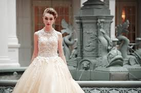 Buy Wedding Dresses Your Wedding Gown To Rent Or To Buy Beautiful Love Wedding