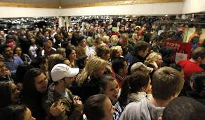 can i use my target employee discount on black friday walmart giving 1 million employees who work on thanksgiving extra