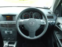 opel corsa 2009 interior vauxhall astra hatchback 2004 2010 features equipment and