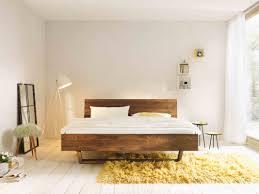 Schlafzimmer Nussbaum Betten Holzwoi
