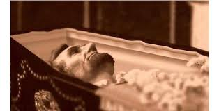 funeral casket these 20 photos of open casket funerals will shock you