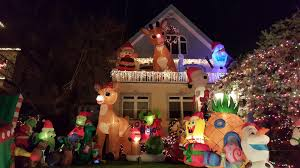 dyker heights holiday lights dyker heights christmas lights bus tour 2016