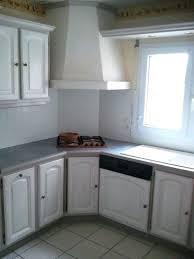 customiser des meubles de cuisine customiser meuble en bois peindre meuble cuisine bois vernis avec