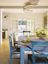 traditional dining room design with vintage furniture