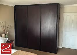 Bedroom Wardrobe by Bedroom Cupboard Sliding Doors In Burgundy Mahogany Finish With
