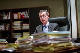 bureau du procureur procès carlton frédéric fèvre un procureur de terrain le point