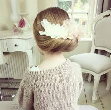 flowergirl hair 40 attractive flower girl hairstyles ashstyles