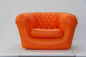 canapé gonflable chesterfield fauteuil chesterfield gonflable orange m2b gonflable