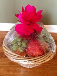 how to make gift baskets easy dyi fruit basket gift idea melanie cooks