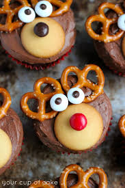 25 reindeer cupcakes ideas cute christmas