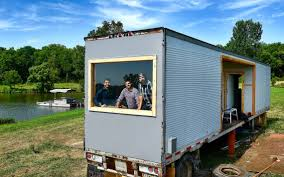 kc men make unusual houses in new fyi network show 2017 the
