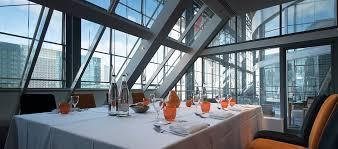 cuisine uip avec table int r business hotels in la defense la defense