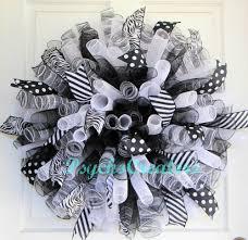 Deco Mesh Halloween Wreath Ideas by Black White Deco Mesh Wreath Curly Spiral Wreath U2013 Halloween