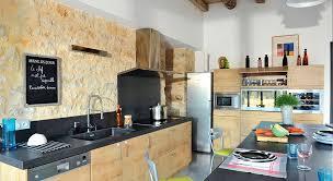 cuisine maison ancienne aménagement cuisine 7 grandes pièces comme à la cagne