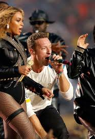 Chris Martin Meme - chris martin upstaged by beyonce see the super bowl memes