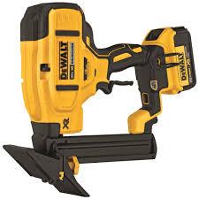 Laminate Floor Stapler Dewalt Dcn682m1 20v Max Xr 18 Gauge Flooring Stapler Kit 4