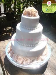 wedding cake tangerang roses white wedding cake