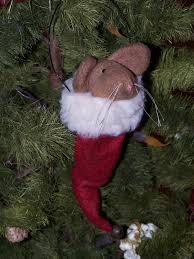 free images of primitive santa primitive wool mouse in red santa