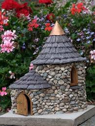 17 cutest miniature houses to beautify garden this summer