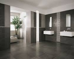 Black And White Modern Bathroom by Small Luxury Modern Bathroom Design With Black And White Interior