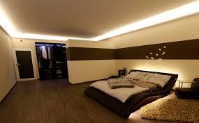wohnzimmer led beleuchtung indirekte led beleuchtung mit stuckleisten lichtvouten