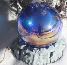 Garden Gazing Globe Gazing Ball Staying In Focus