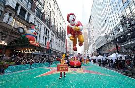 2016 macy s thanksgiving day parade signature family