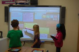 Smart Technologies by Smart Collaborative Classroom