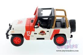 jurassic world jeep toys jurassic world jeep wrangler off road 1992 1 24 scale