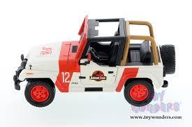jurassic world jeep toys jurassic world jeep wrangler off road 1992 1 24 scale